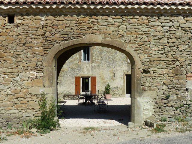 chambre-d-hotes-drome-guesthouse-france-authentic