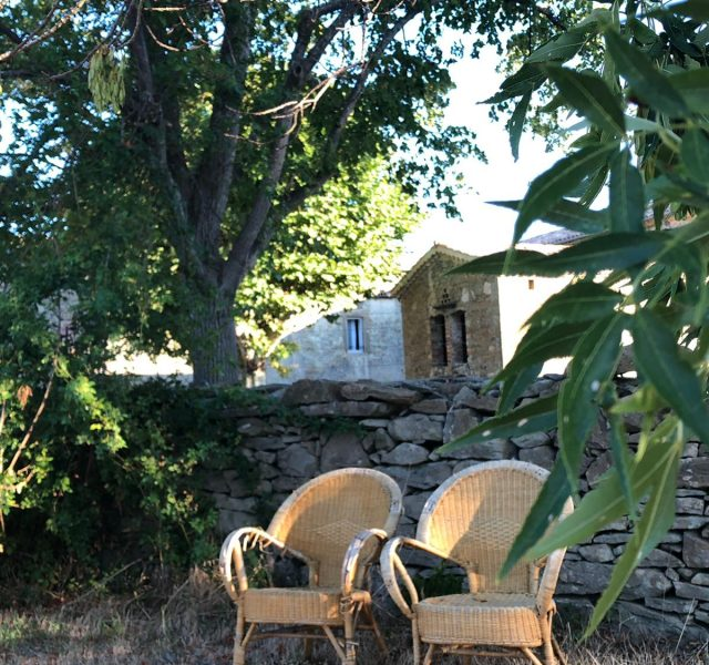 pause-vacances-chambre-d-hotes-drome-guesthouse-france-holiday